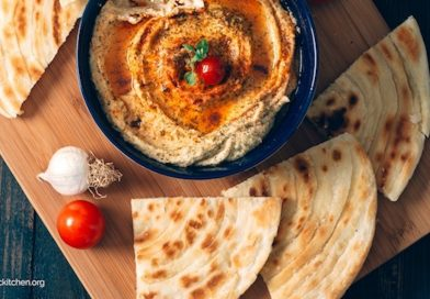 Sun Dried Tomato Hummus | The Organic Kitchen Blog and Tutorials